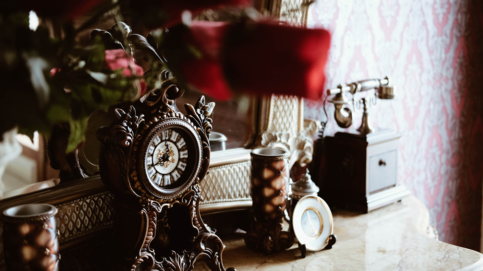 Stories To Inspire: Antique Furniture Website Made With Slider Plugin